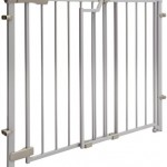 Evenflo Easy Walk Thru Top Of Stairs Gate – Questions & Answers